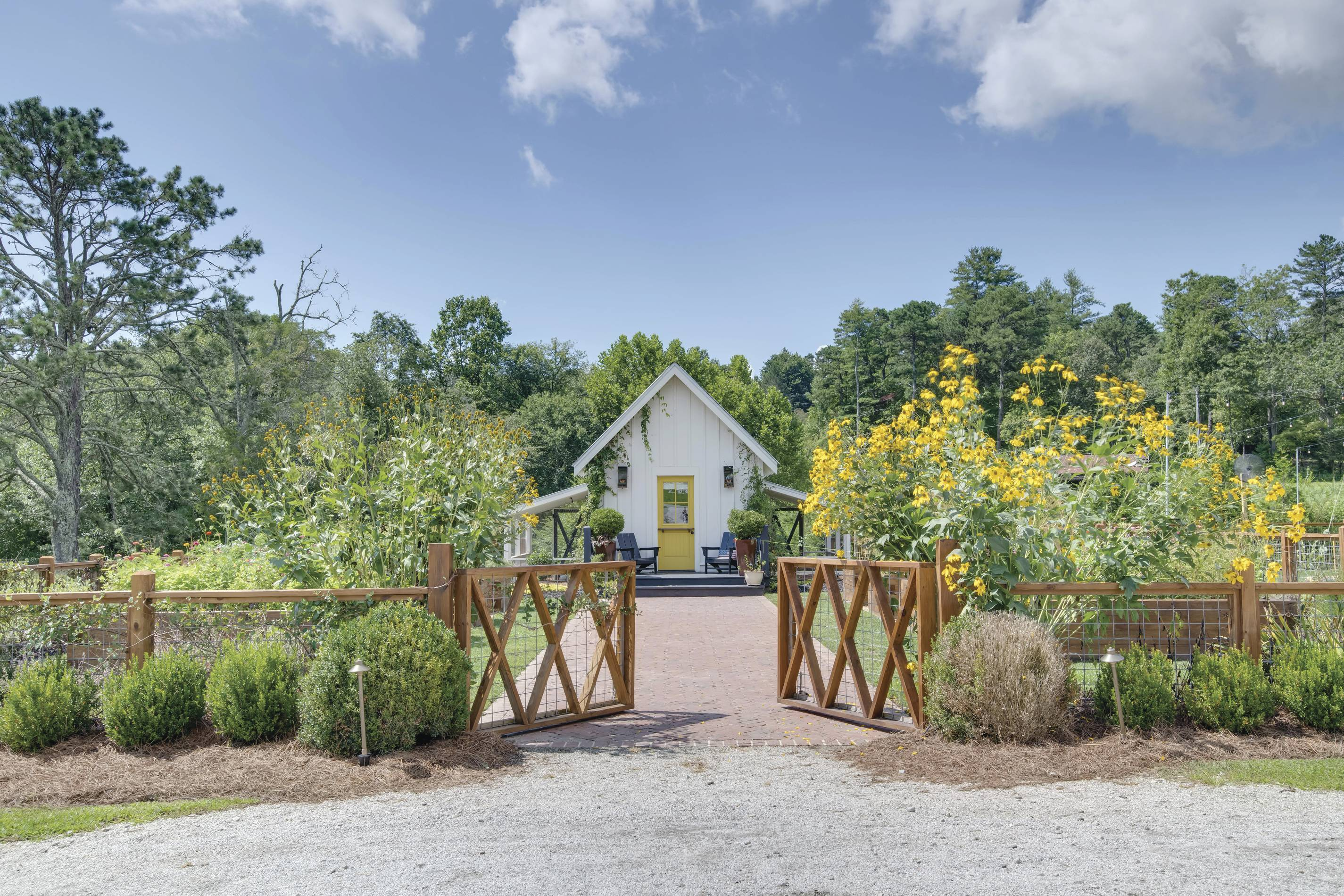 Escape To Julep Farms Where The Simple Life Meets Luxury Living